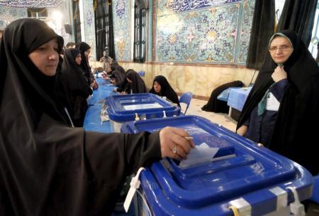Iran/législatives: les réformateurs largement en tête à Téhéran
