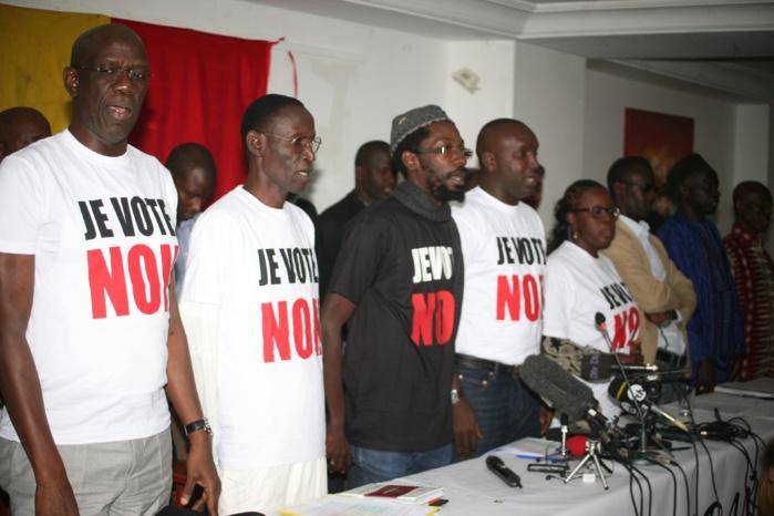 """Les Organisations, Mouvements et Personnalités membres du Front du NON ÑAANI BAÑNA démarrent la campagne pour un """"NON massif"""
