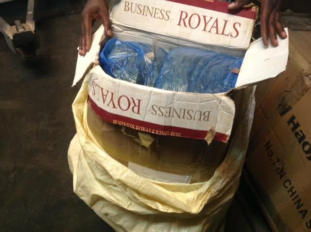 Dissimulé dans un paquet de poisson séché : Du cannabis sativa en provenance du Sénégal saisi par la Douane Kenyane
