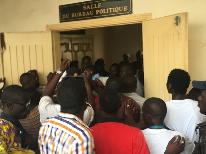 BUREAU POLITIQUE DU PS : La jeunesse socialiste réclame la démission sans délai de Ousmane Tanor Dieng