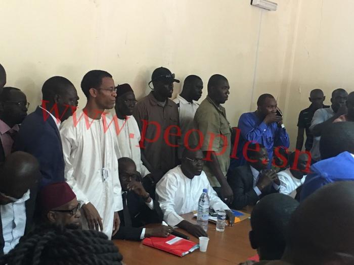 BUREAU POLITIQUE DU PARTI SOCIALISTE : Khalifa Sall acclamé, Ousmane Tanor Dieng et Cie insultés