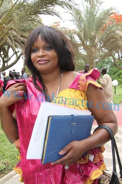 """Référendum du 20 mars : Mme Fatou Tambedou initie """" la caravane de la calebasse de l'excellence """" pour un Oui massif à Keur Massar"""