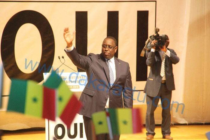 """Macky Sall galvanisé au CN de l'APR : """" Vous voilà debout pour gagner la bataille de la démocratie! """""""