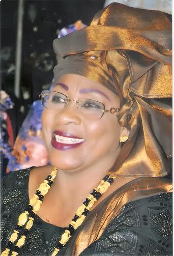 Question à mes compatriotes : Qui est ce Monsieur qui se fait appeler Idrissa Seck et qui se permet de donner des leçons de morale et d'éthique à Monsieur le Président de la République Macky Sall ? (par Fatou Faty)