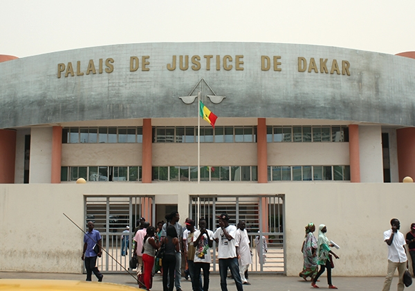 Chambre criminelle / Vol en réunion avec effraction, usage d'arme et de véhicule, violence : Le fils du juge Taïfour Diop et sa bande condamnés à 10 ans de travaux
