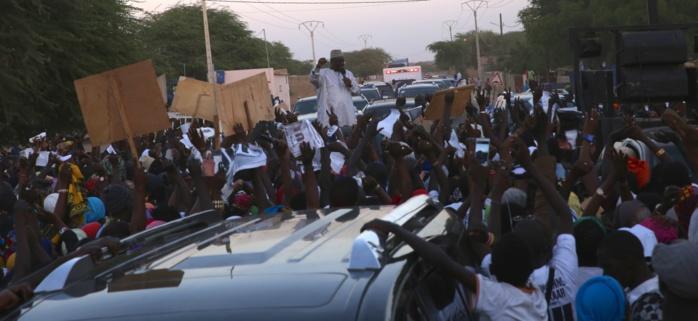 Macky Sall reçu par la famille Omarienne de Louga et celle de Rawane N'gom de Mpal