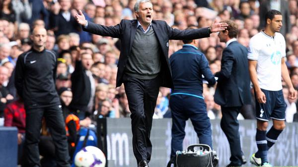 MANCHESTER UNITED : Un salaire XXL proposé à José Mourinho ?
