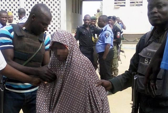 Cameroun: forts doutes des autorités que la kamikaze arrêtée soit une lycéenne enlevée à Chibok