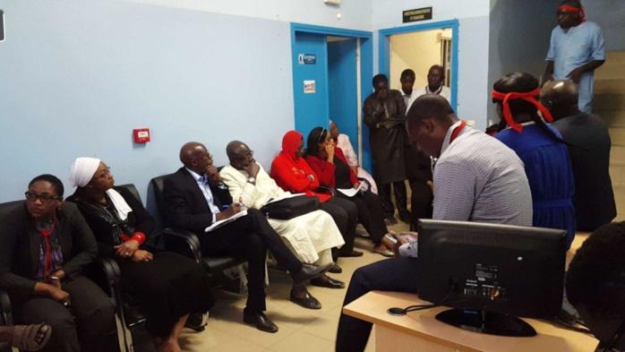ASER : Pour exiger le paiement normal de leurs salaires, le personnel séquestre le DG et l'ACP