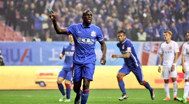 Demba Ba : « En voyant le contrat, j'ai commencé à réfléchir »