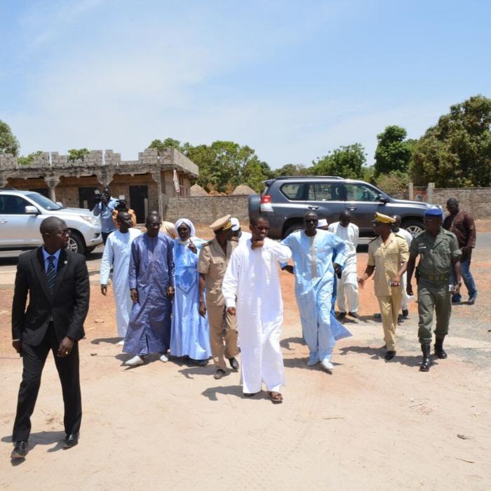 Le ministre Abdoulaye Diouf Sarr en visite à Médina Gounass (IMAGES)