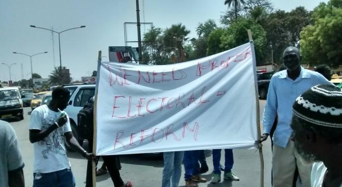 MANIFESTATIONS EN GAMBIE : Plusieurs blessés et arrestations…, crainte d'un couvre-feu