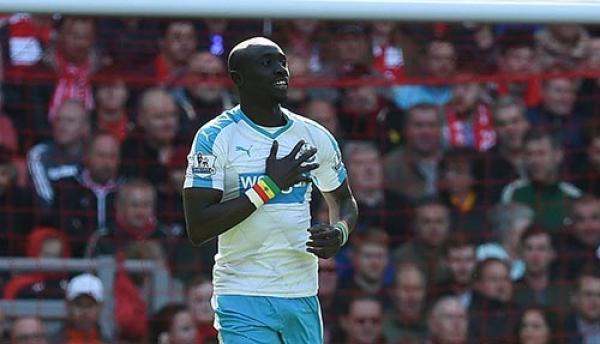 Newcastle - Papiss Cissé marque cinq mois après : « Un but très important qui me remonte le moral »
