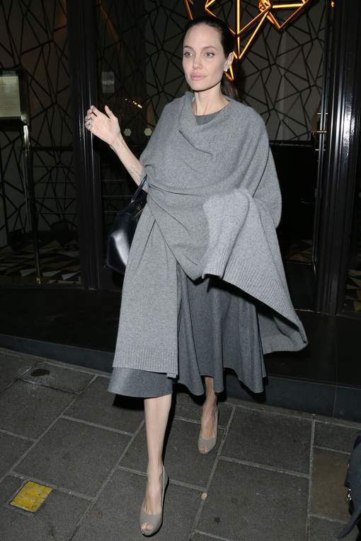 """Angelina Jolie ne pèse plus que 35 kilos"""