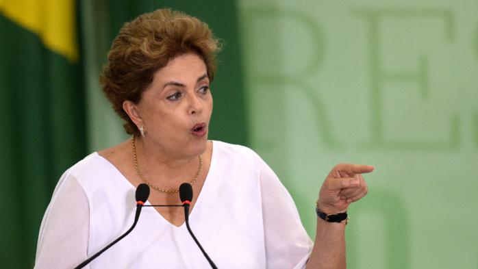Brésil : le président par intérim du Congrès des députés se rétracte et approuve le processus de destitution de Dilma Rousseff