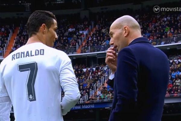 Quand Ronaldo donne ses ordres à Zidane