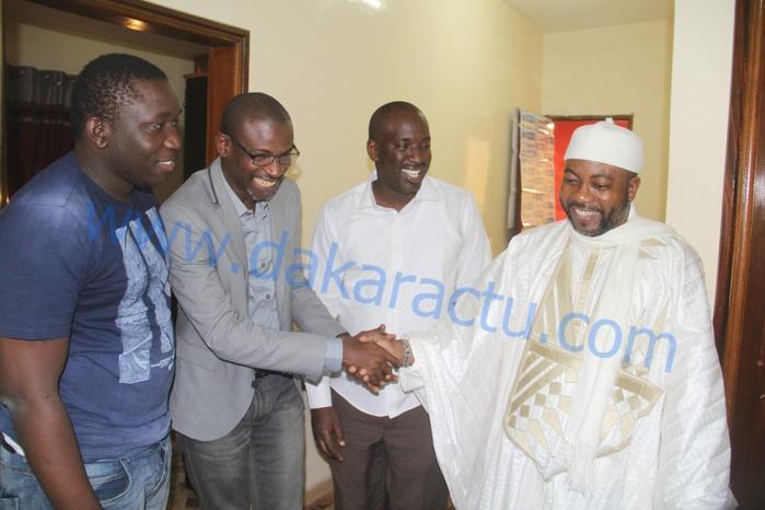 """Sheikh Alassane Sène """"Tarrë Yalla"""" rend visite à DAKARACTU"""