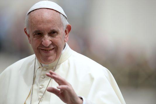 Le pape François entrouvre la porte de l'Eglise aux femmes
