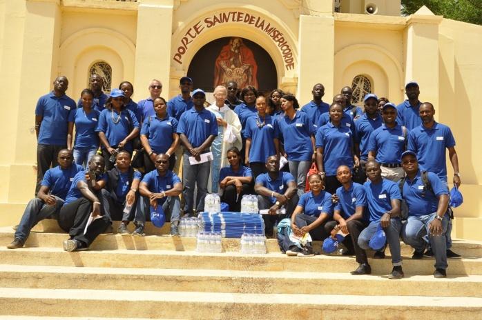 Pèlerinage marial : Tigo offre des dons aux représentants de l'église