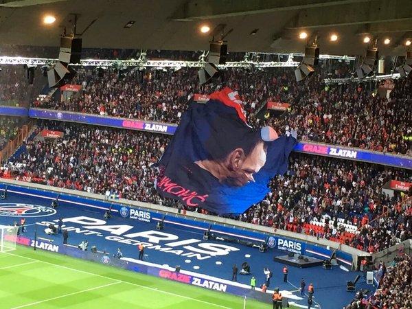 Quand le Parc des Princes rate ses tifos... L'hommage loupé à Zlatan