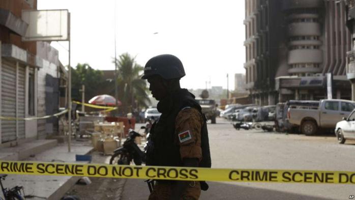 Burkina Faso : un poste de police attaqué dans la nuit de mardi à mercredi par des assaillants à 4 kms de la frontière malienne