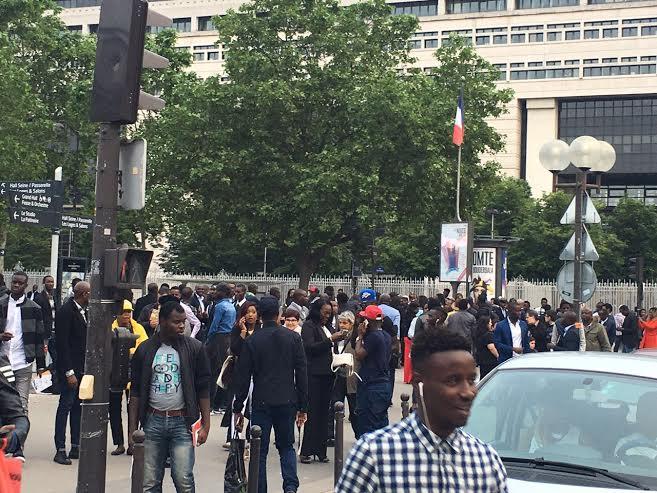 Les sénégalais arrivent devant Bercy à l'ouverture des portes (photos)