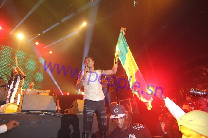 Les images du concert de Waly Ballago Seck à Bercy, en compagnie de son groupe, le Raam Daan