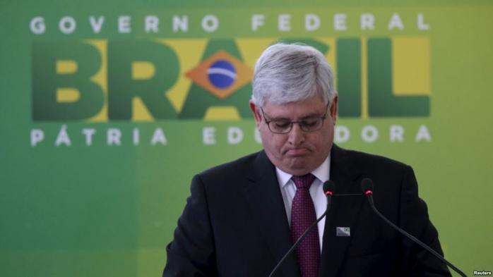 Le parquet brésilien demande l'arrestation des présidents du Sénat et de l'Assemblée