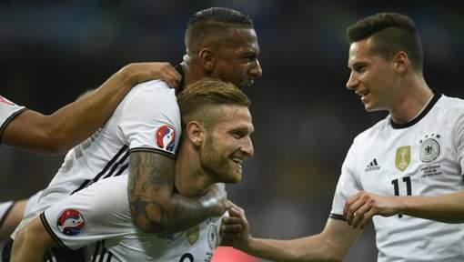 Euro 2016 : Les champions du monde démarrent doucement mais sûrement