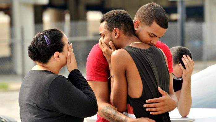 Fusillade en Floride : les survivants racontent la confusion et l'horreur