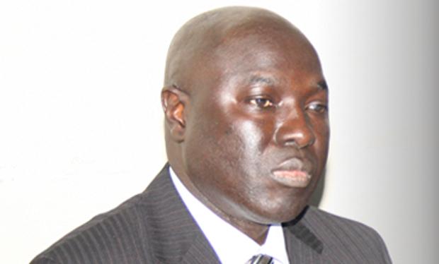 Plainte contre Arona Coumba Ndoffene Diouf : Le ministre conseiller accusé d'avoir violenté une cliente