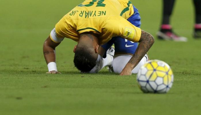 BRÉSIL : Neymar demande pardon