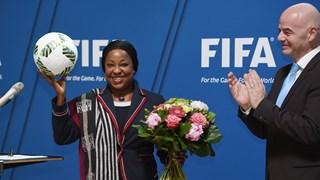 La Secrétaire Générale de la FIFA Fatma Samoura passe le contrôle d'éligibilité avec succès