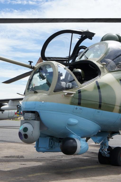 Voici  l'un des deux hélicoptères d'assaut ( MI35P) de l'armée sénégalaise avec son système appelé DSP-HD.