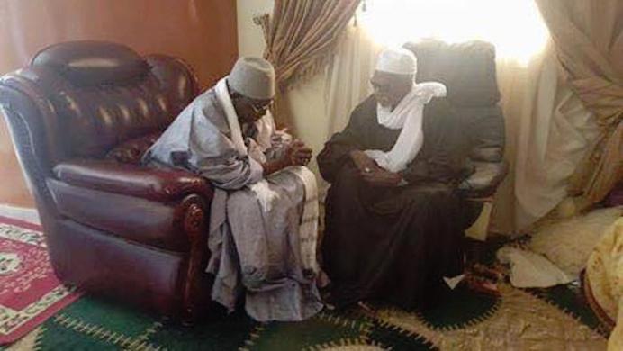 TOUBA - Serigne Abdoul Aziz Sy Al Amine a presenté les condoléances de la Hadara Tidjaniyya à Serigne Cheikh Sidy Mokhtar Mbacké
