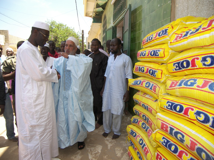 Pikine : 7 tonnes de riz et de sucre ont été remises aux guides religieux