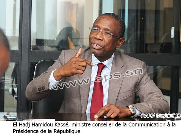 La loi ne permet pas au président Sall de se justifier sur la grâce accordée à Karim Wade (Conseiller)