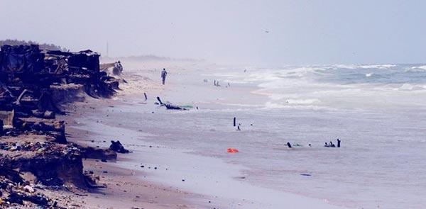 La mer en furie détruit plusieurs maisons : Saint-Louis perd la Langue