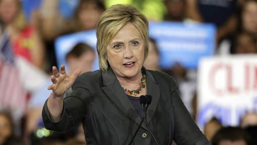 Le dossier d'enquête sur les emails d'Hillary Clinton transmis à la justice