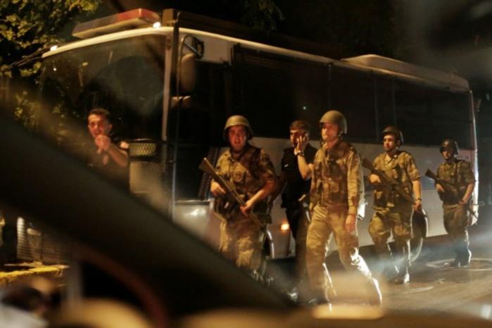 La Turquie continue ses coups de filet, la communauté internationale s'inquiète