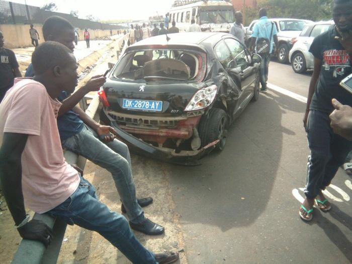 """AUTOROUTE A PÉAGE : Collision entre un car """"N'diaga N'diaye"""" et une 206 (Images)"""