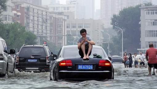 100 morts et disparus dans des pluies torrentielles en Chine