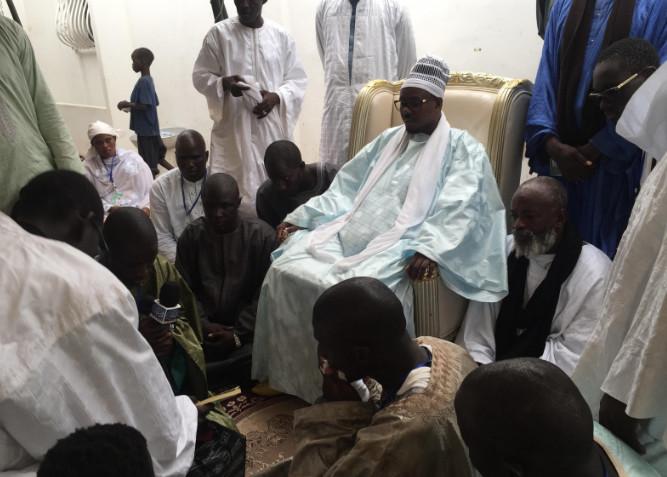 TOUBA - Serigne Bass Abdou Khadre reçoit la dahira Mouqadimatoul Khidma de Pikine