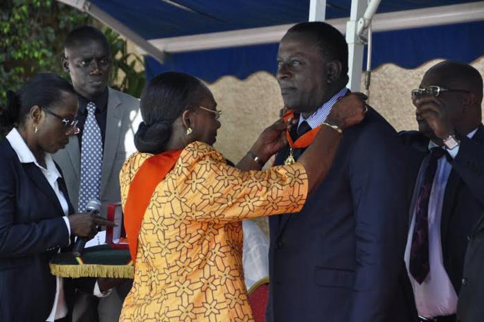 Le Dr. Cheikh Tidiane Gadio élevé au rang de Commandeur de l'Ordre National Ivoirien