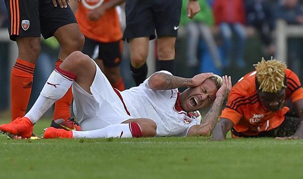 Bordeaux : Jérémy Ménez se fait arracher l'oreille en plein match (photos)