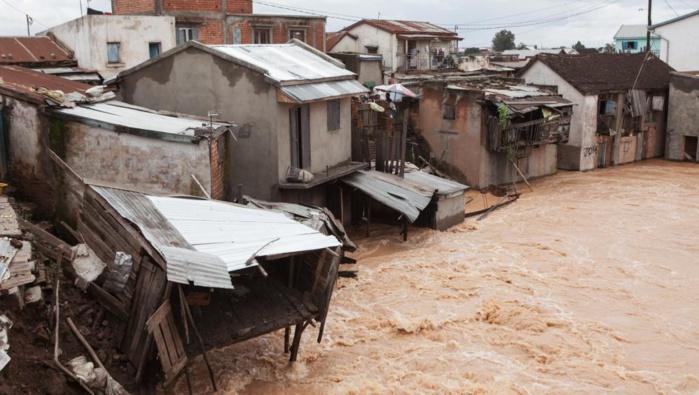 KAFFRINE - 115 maisons détruites par l'eau de pluie à Aynoumane 1