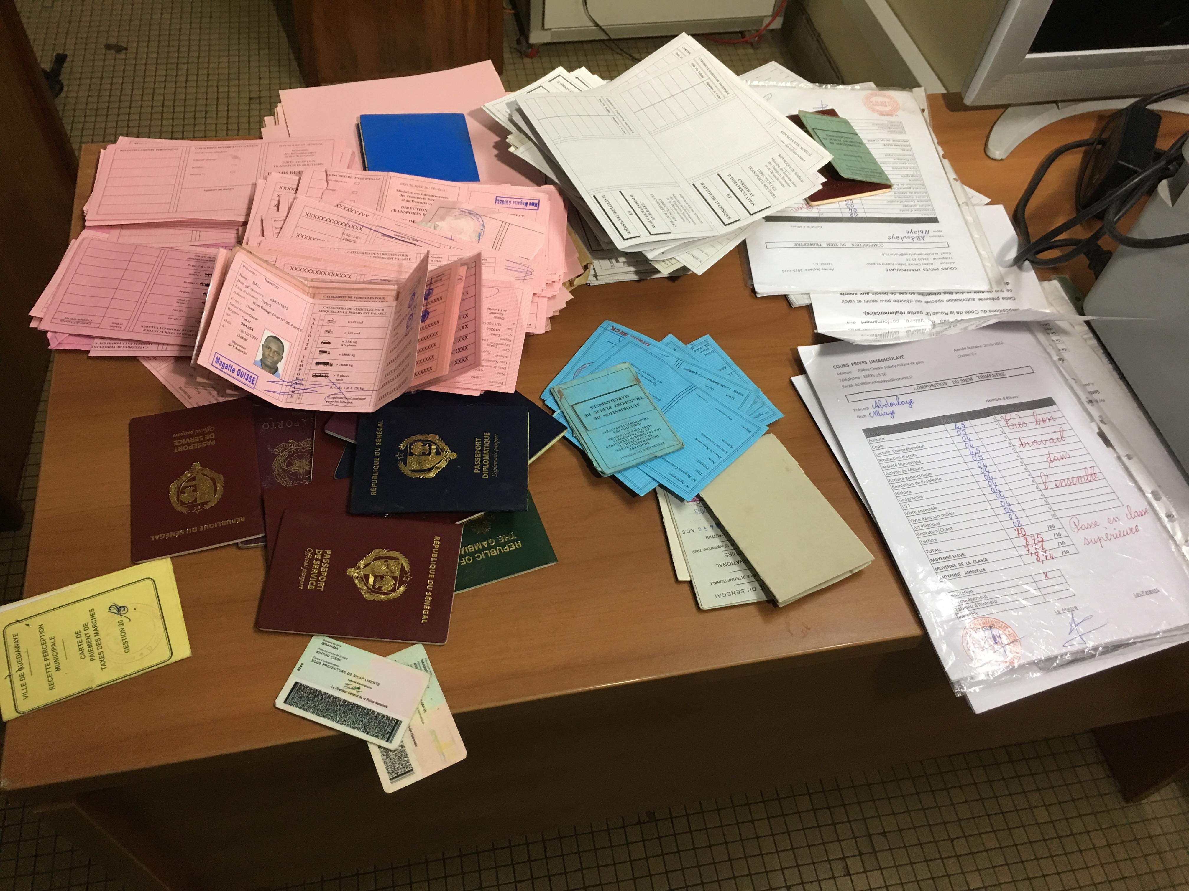 Faussaire : Le taximan tombe avec des centaines de documents
