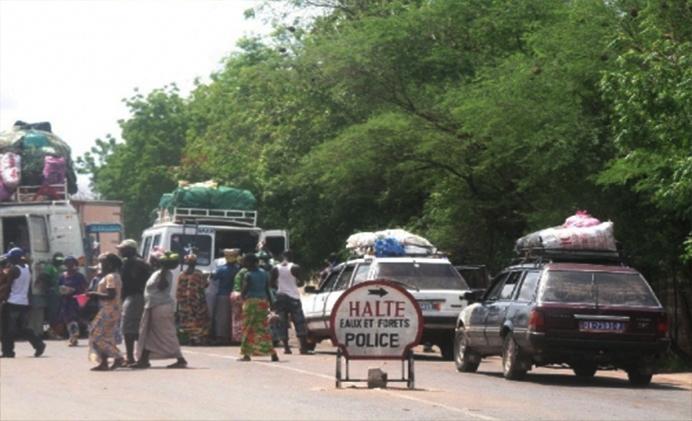 Expiration de la durée de validité de la pièce d'identité : La Gambie fait payer des amendes aux passagers sénégalais