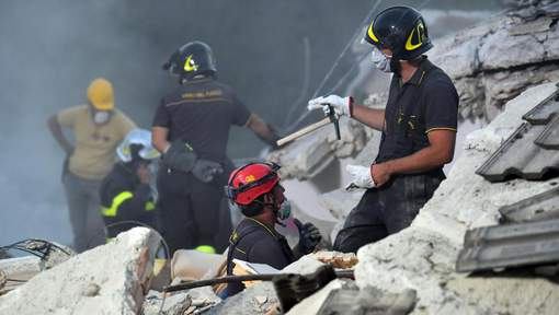 Séisme en Italie : 267 morts selon un nouveau bilan, les fouilles se poursuivent