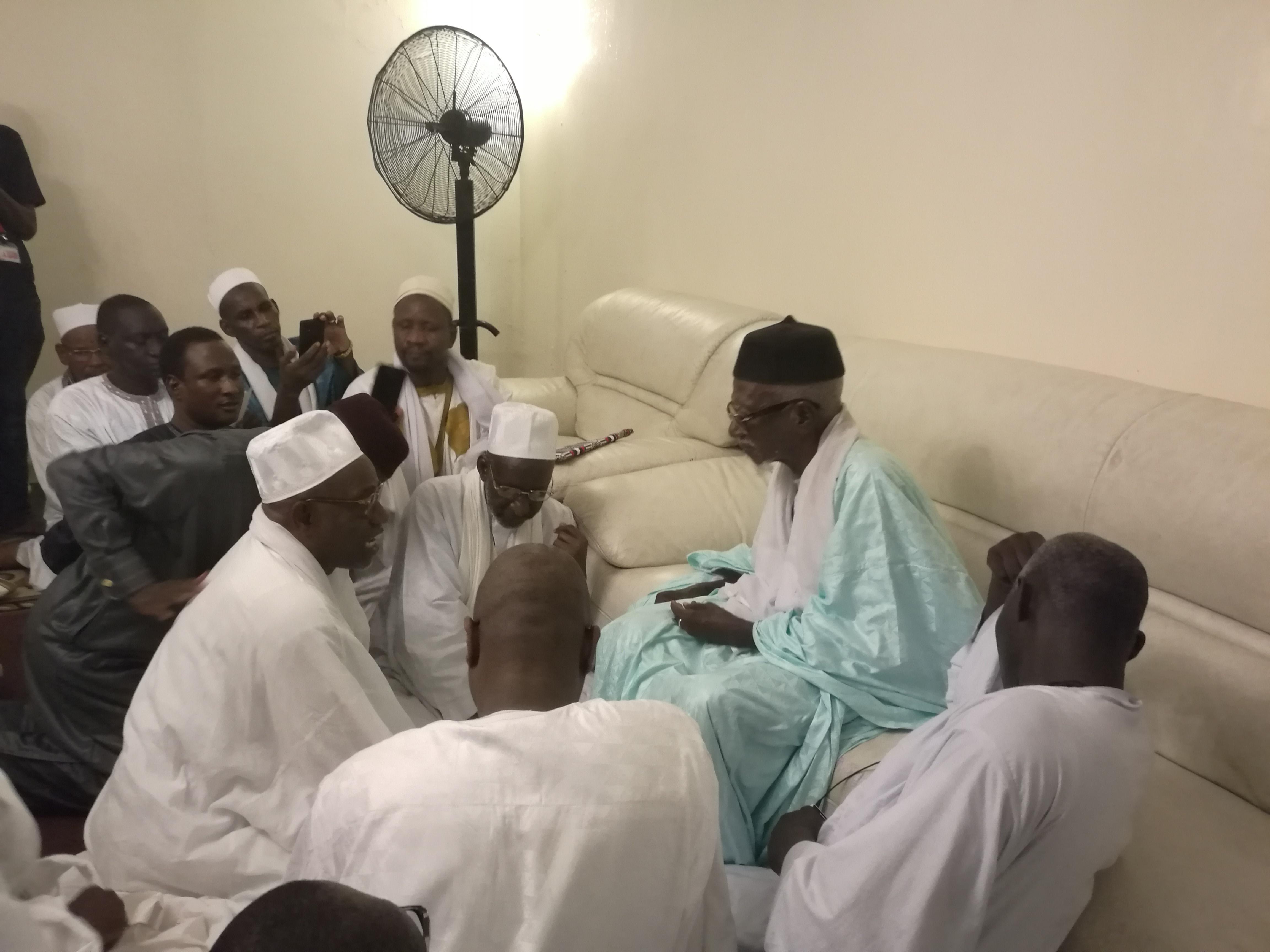 Visite de représentants de la famille Omarienne chez le Khalife des mourides